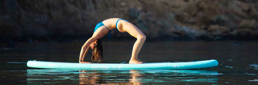 Yoga workout op het SUP board model Dhyana